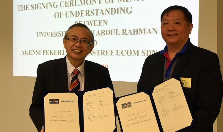 UTAR President Ir Prof Dr Ewe Hong Tat (left) with JobStreet Malaysia and JobStreet Country Manager Gan Bock Herm